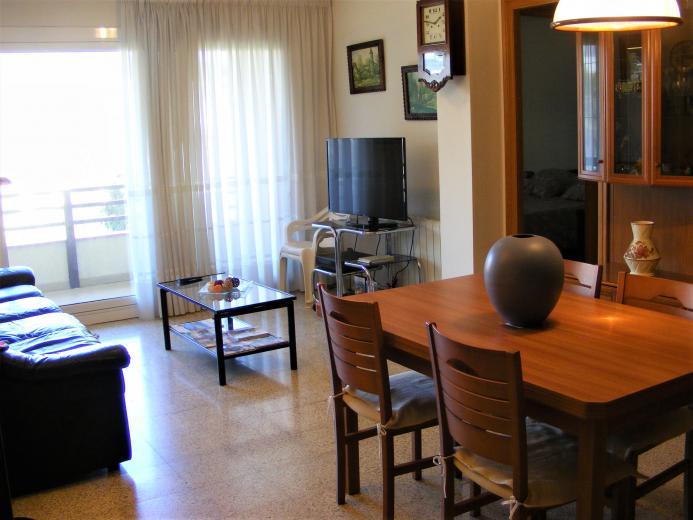 Impecable piso de 4 habitaciones - Pisos en pineda de mar ...